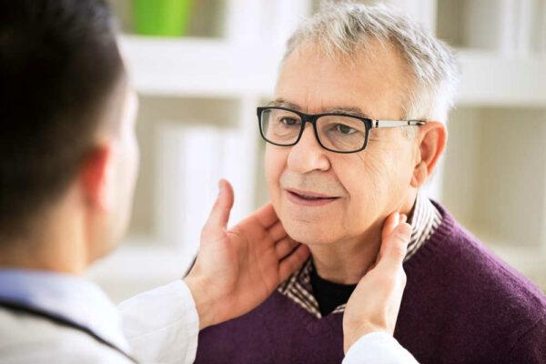 أعراض سرطان الفك